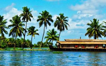 6 Days / 5 Nights Munnar - Thekkady - Alleppey - Kovalam - Cochin Drop