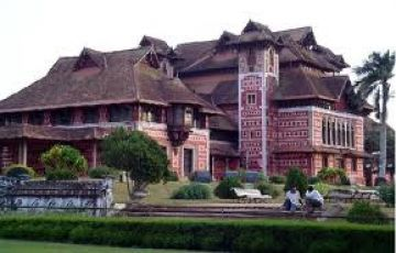 7 N / 8 D Budget Kerala Tour Package