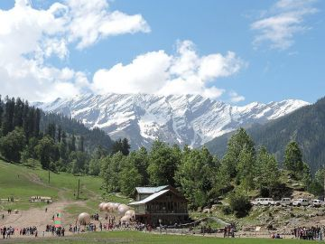 Manali Tour Package via Volvo Ex Delhi - 2N/3D @ Rs.10500