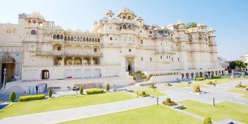 Maharaja Tour Udaipur for couple