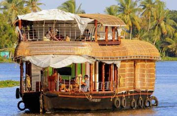 Munnar - Thekkady - Alleppey Kovalam for 4 adults, 2 star hotels