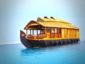 Hills & House BoatMunnar and Alleppey Honeymoon 4 days Trip @14999 INR | Call 9818705209|TriFete Holidays Pvt. Ltd