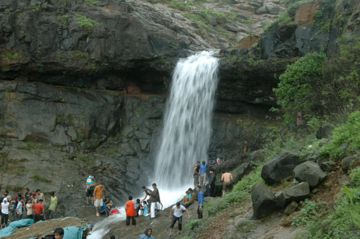Amazing Weekend Getaways From Hyderabad To Lonavala @9999 INR | Call 9818705209|TriFete Holidays Pvt. Ltd, Versova Mumbai