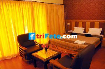 Explore Ooty With Couple  3 days Trip @7999 INR | Call 9818705209|TriFete Holidays Pvt. Ltd, Versova Mumbai