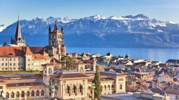 Paris  and Switzerland- A Destination for the New Millennium with zero cost EMI.