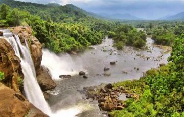 Kerala - Munnar , Alleppey Houseboat , Thekkady , Kovalam 9984414265,