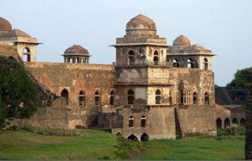 Mandu  Madhya Pradesh Tour Romantic Tour