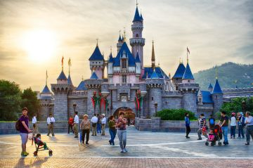 Hong Kong Disneyland Travel Packages