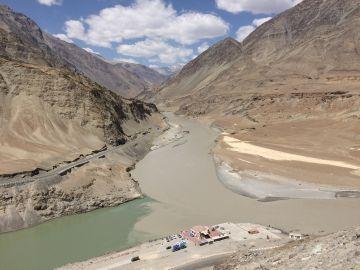 Srinagar  Gulmarg  Kargil  Leh  Nubra  Pangong 8 Nights 9 Da