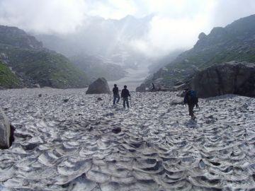 Triund Indarhar pass glacier trek