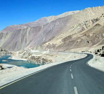 Leh Ladakh Honeymoon Package Tour