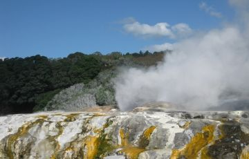 NEW ZEALAND THERMAL WONDER