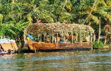 KERALA FROM THE HILLS TO THE WATERWAYS LET THIS BACKWATER PARADISE CHARM YOU