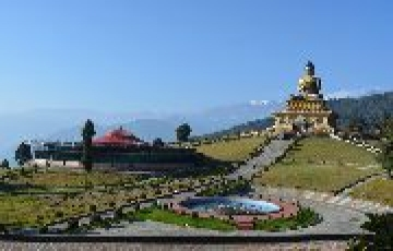 BEST RESORTS AND PLACES TO STAY IN SIKKIM