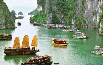 Discover Vietnam with Cambodia
