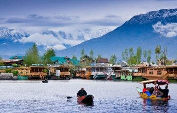 Charismatic Kashmir with Gulmarg and Pahalgam